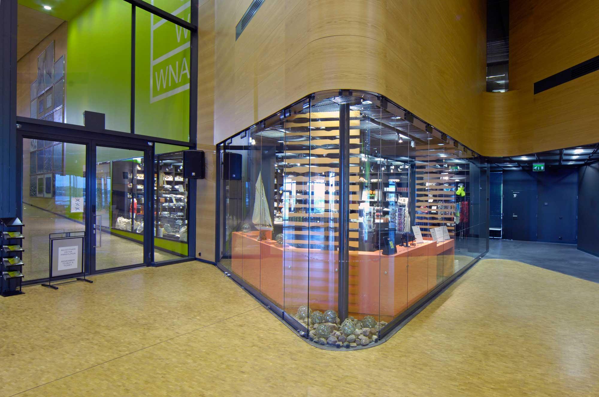 Scanmikael_curved glass walls_Vellamo_2