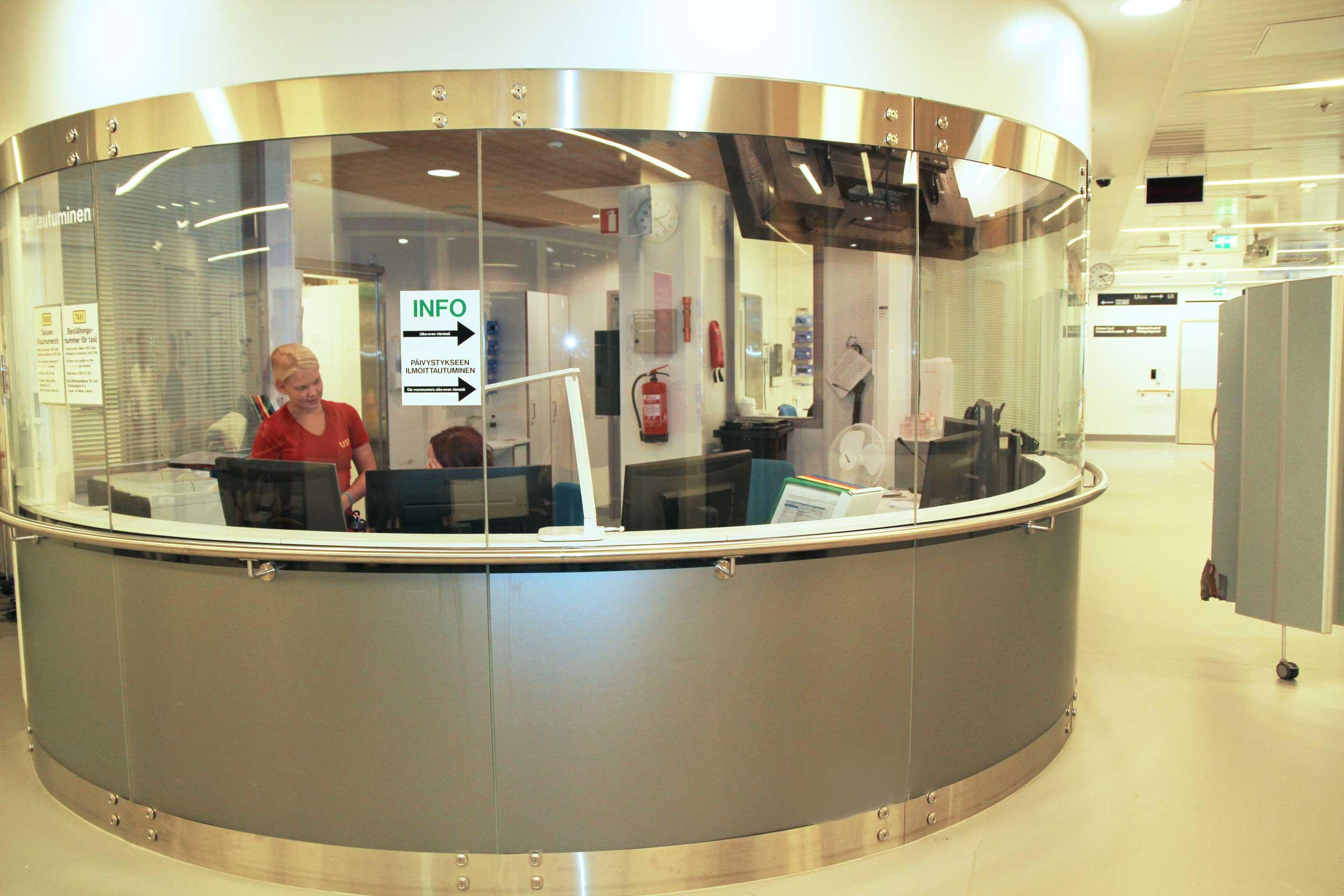 Scanmikael Kaareva lasiseinä, toimistolasiseinä, Malmin sairaala