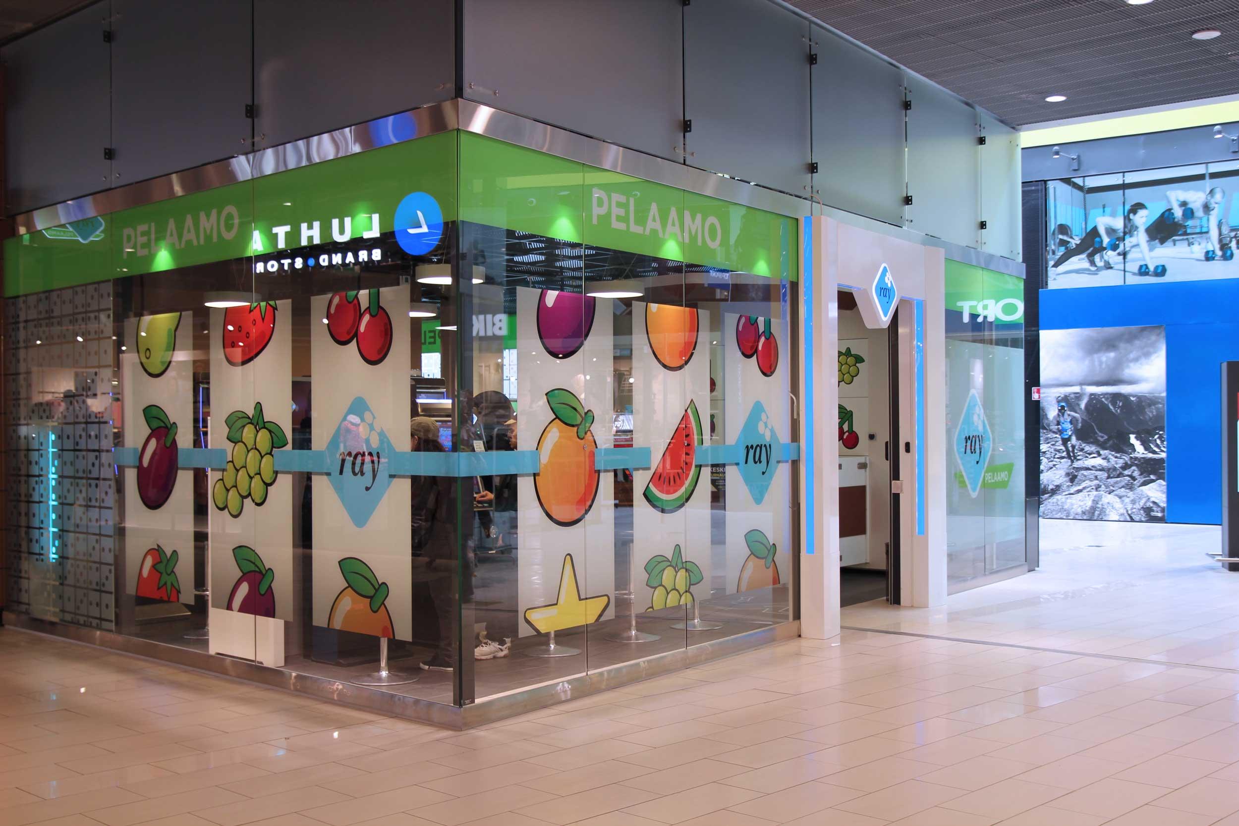 Scanmikael_Movable glass walls_Shopping centre Kaari_Helsinki