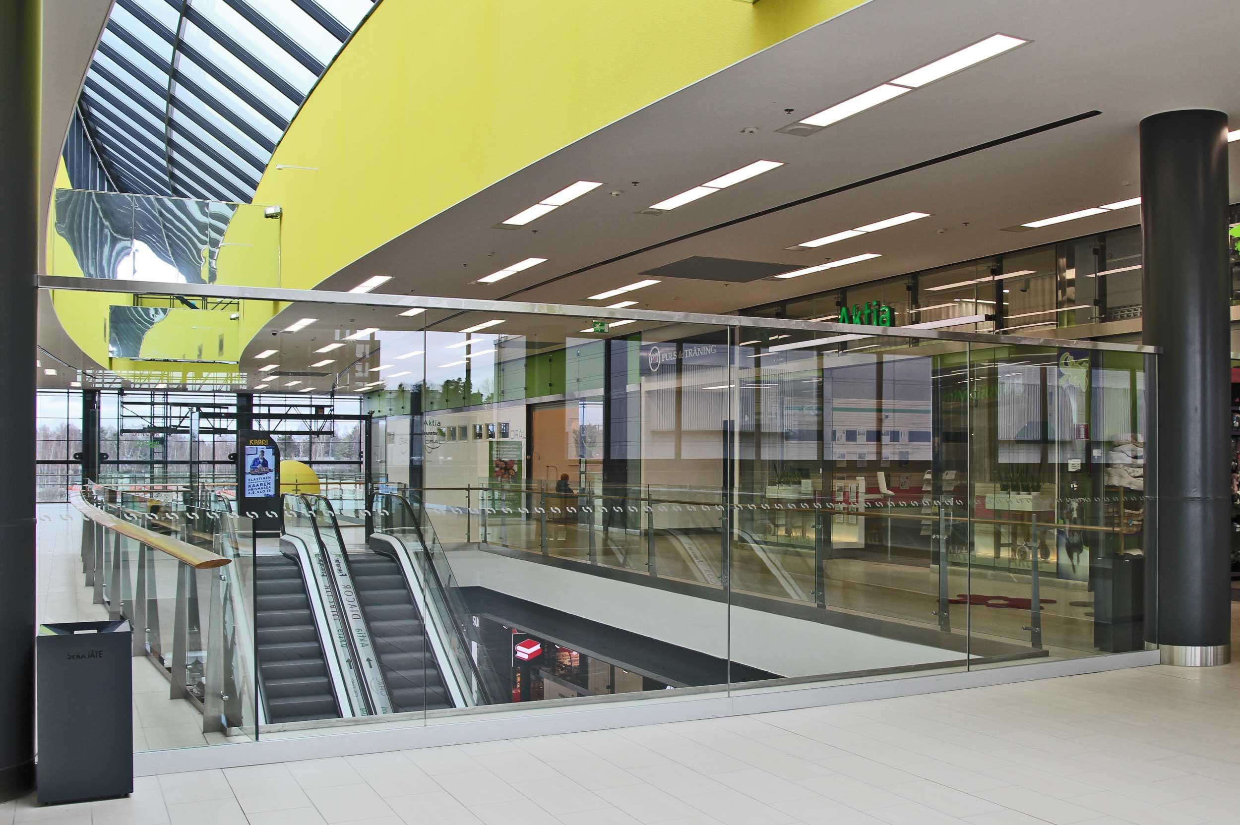Scanmikael_Shopping centre concept_Kaari_Glass balustrades_Helsinki