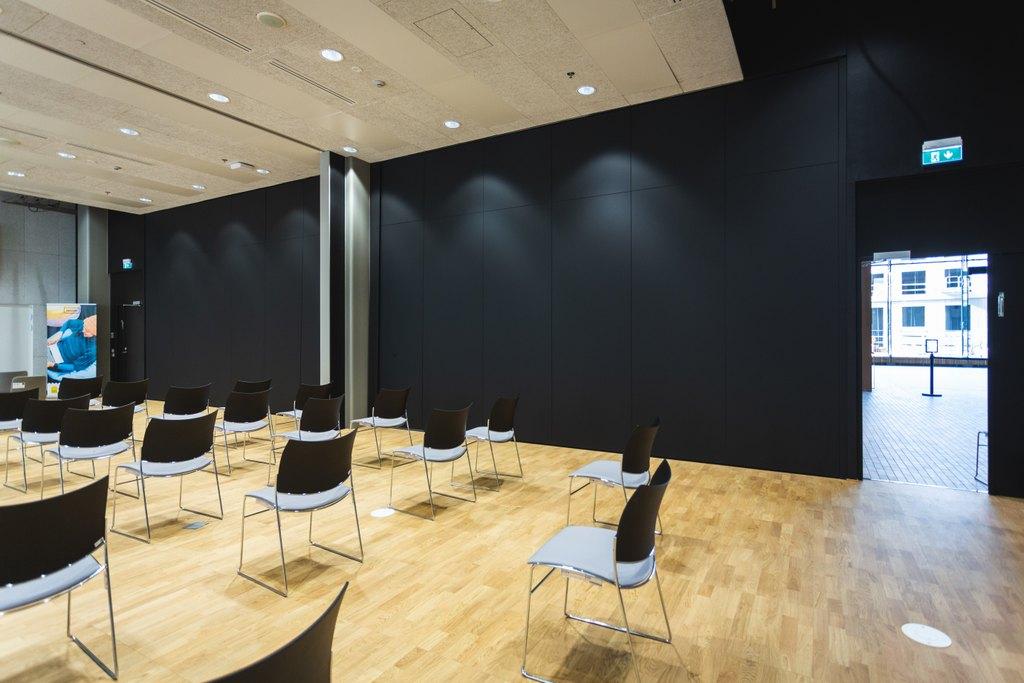 Scanmikaelin siirto- ja taiteseinä_Kaupunkiympäristötalo, Helsinki